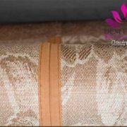 Đường gấp giữa và mặt sau chiếu gỗ Thái